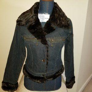 #326 NWT No Boundaries M Denim Jacket Faux Fur Col